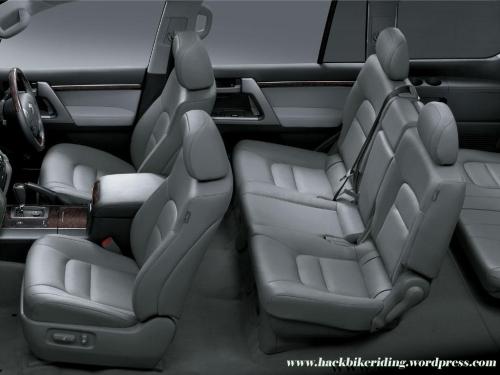 toyota_landcruiser_diesel_seats