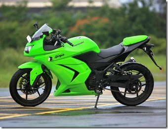 Kawasaki_Ninja_250R_India_Green