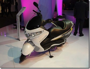 SUZUKI Bikes Wallpapers -    Auto Expo 2010 INDIA
